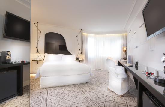 La Maison Champs Elysees