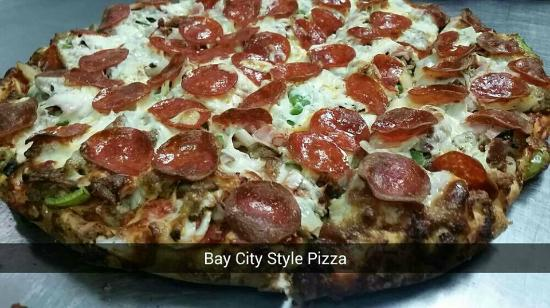 Bay City, Мичиган: Voted 8th in the State Of Michigan For Pizza. By MLive..