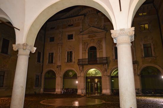 Casa Museo Palazzo Valenti Gonzaga : Palazzo Valenti Gonzago
