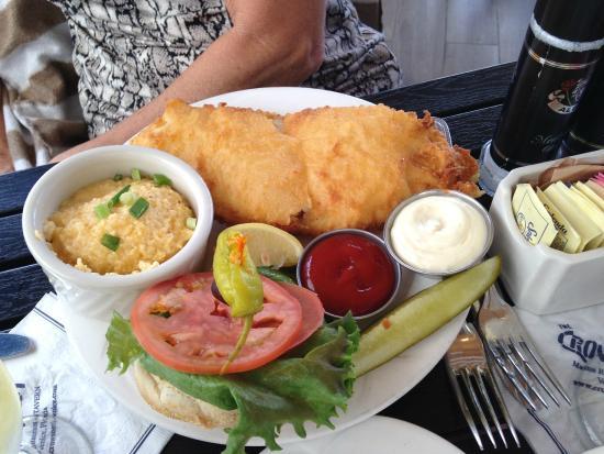 Crow's Nest Marina Restaurant & Tavern: Fish & Chips