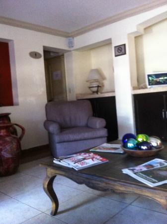 Del Marques Hotel & Suites: SALA