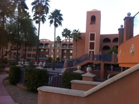 Scottsdale Marriott at McDowell Mountains: view from TPC toward courtyard