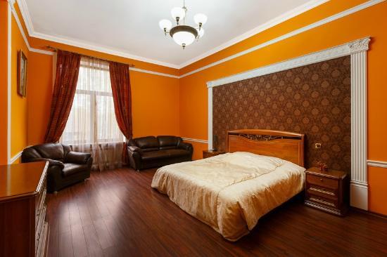 8b84e4d38ba Комната родителей (семейный номер) - Изображение Монако Бутик-Отель ...