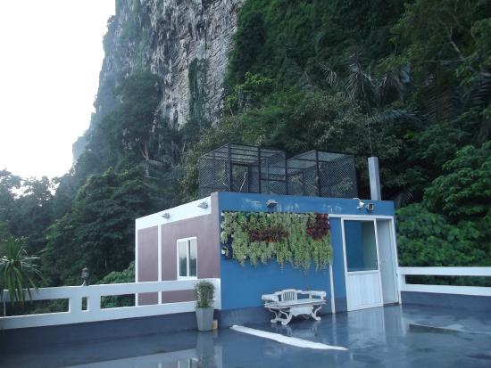 Aonang Mountain View Hotel: выход к лифтам