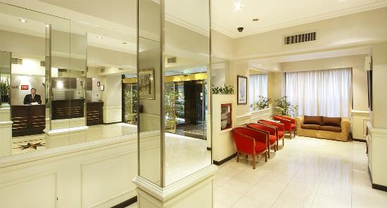 Waldorf Hotel: Lobby