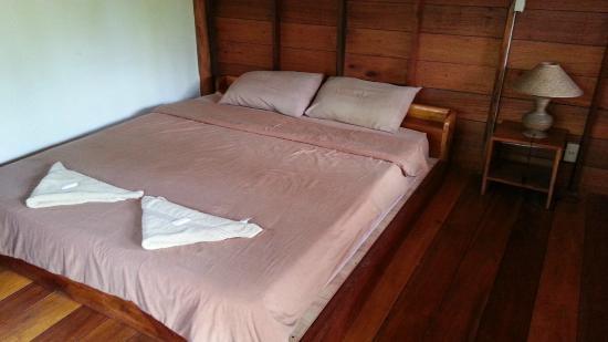 Sunshine Pai Resort : เตียงนอนหนานุ่มดีมาก