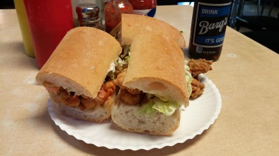 ‪Domilise's Po-Boys‬