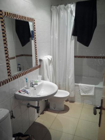 Hostal Atenas: Baño