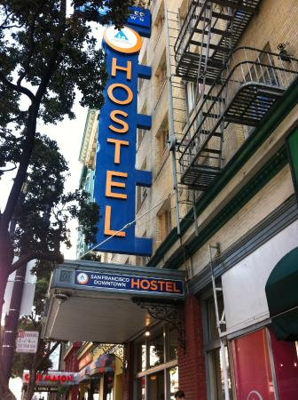 Hostelling International- San Francisco/ Downtown: Hostel Front Door