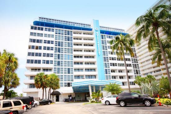 Ocean Manor Beach Resort Hotel: OM Front Entrance
