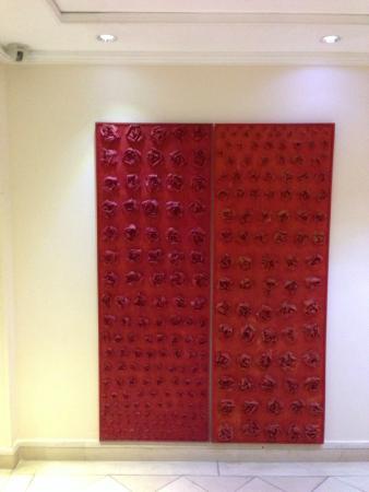 Rose Garden Palace: Пано у лифта