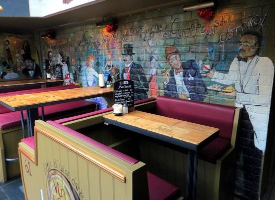 Crofters Brasserie: wall art