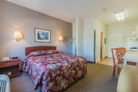 Colorado Springs Extended Stay Hotel: 1 Queen Bed Studio