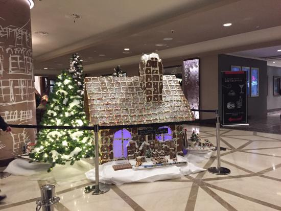 Frankfurt Marriott Hotel : Real gingerbread house!