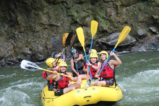 Ven y divierte en el Rio Sarapiqui
