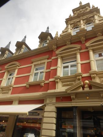 Hotel Deutscher Kaiser im Centrum: Detalhe de um predio lindo. Cidade inesquecivel.