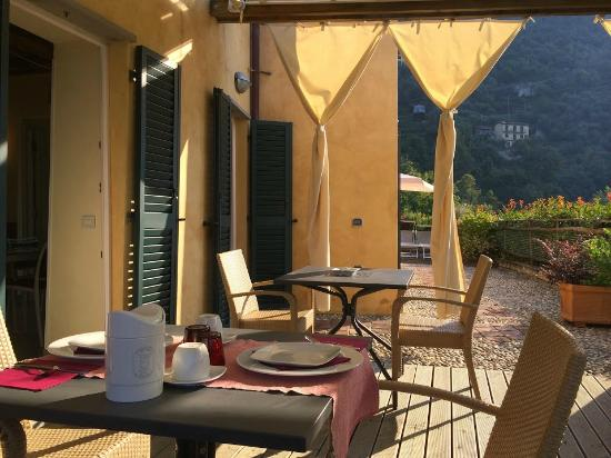 Villa Paggi Country House: Breakfast Outside