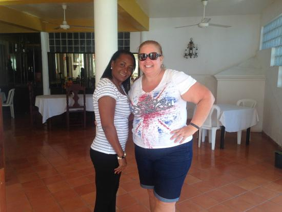 Hotel Bahia View: Another pic with one of the owners in the restaurant