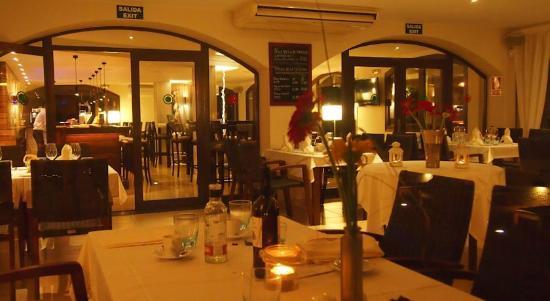 Orange Colom Restaurant & Bar