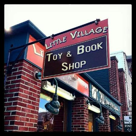 Littleton, Нью-Гэмпшир: Best toy & book shop around.