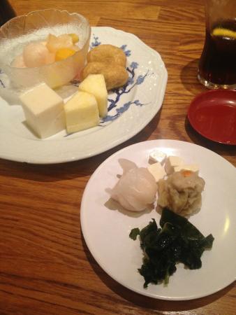 Ichiban Taiwan Restaurant: Meat dumplings and some desserts at Ichiban