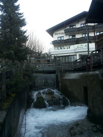 Jenbacherhof: vista dell'Hotel dall'esterno
