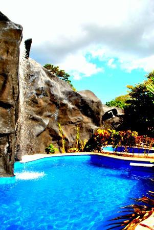 Hotel Cabanas La Teca: Nuestra Piscina!!