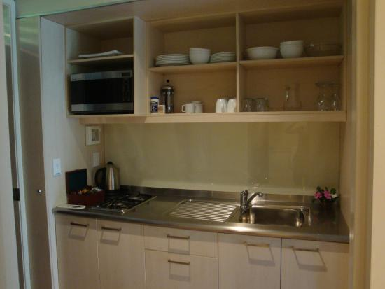 Sunset Resort: Kitchen