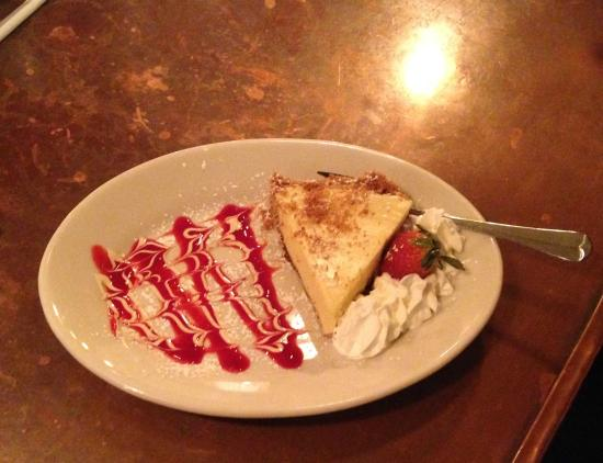 CD Cafe: Key Lime Pie - great presentation, an outstanding dessert!