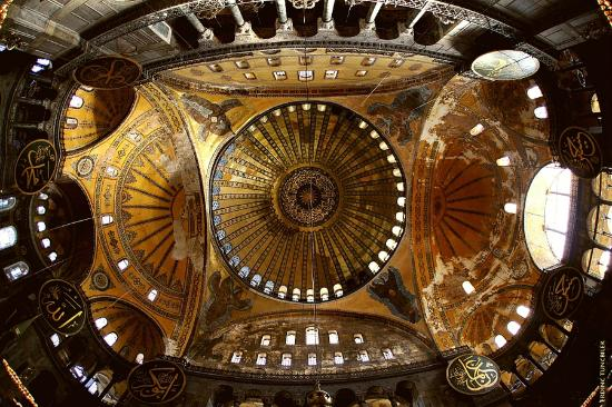 Photo of Hagia Sophia Museum / Church (Ayasofya) in Istanbul, Is, TR