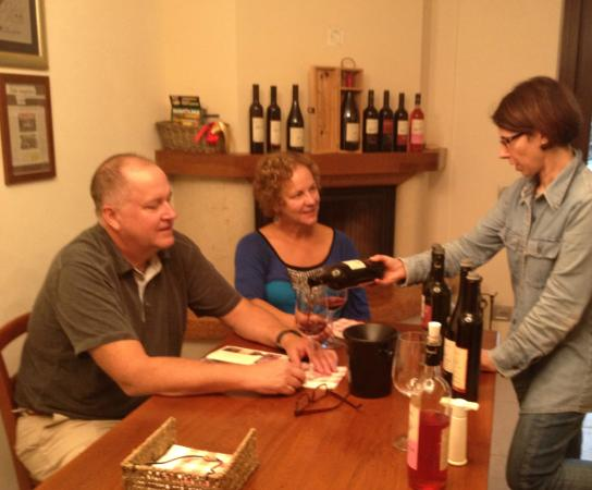 Parry Bed and Breakfast : Wine tasting with Mario