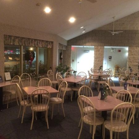 Days Inn Carlisle South: Our spacious dining area