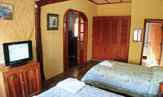 Mi Caleta Inn: Main Bedroom