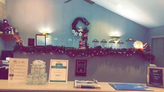 Days Inn Carlisle South: Our inviting reception area