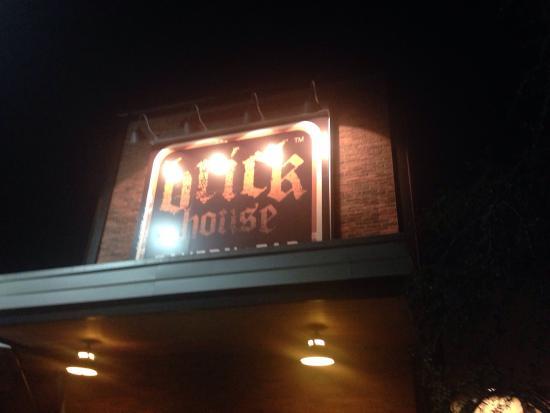 Brick House Tavern + Tap : Entrance
