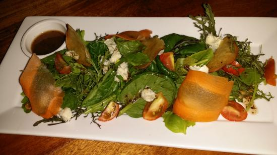 Big Chef Steakhouse: tomato salad with blue cheese