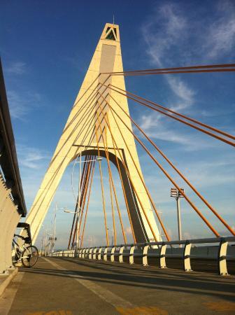 Dapeng Bay National Scenic Area: Pan Bay bridge