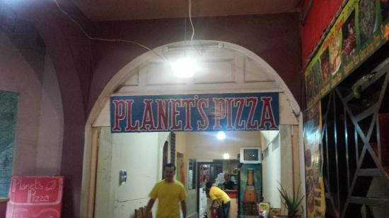 ‪Planets Pizza‬