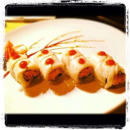 Ichiban Japanese Restaurant: Snowman on fire roll
