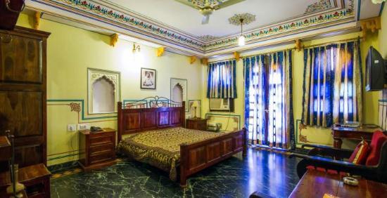 Sajjan Niwas : Super deluxe room