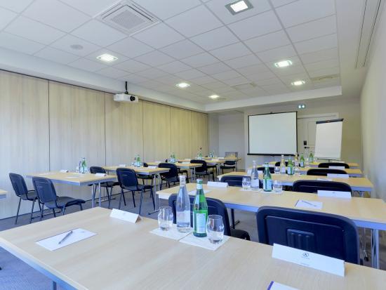 Salle Reunion Classe Photo De Kyriad Angers Ouest Beaucouze