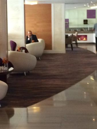 Novotel Suites Riyadh Olaya: Manager enjoying his coffee rather than serving his guests