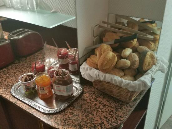 Hotel DomBlick: breakfast