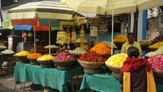 Pune Magic: Flower market
