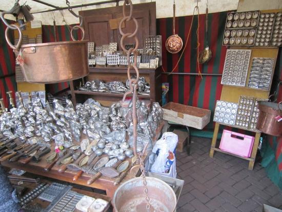 Antiekmarkt Zavel/Marche des Antiquites et du Livre du Sablon: Antichi strumenti da cioccolatiere