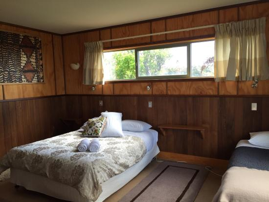 Hydrangea Cottages : Bedroom 2 - Nikau Cottage