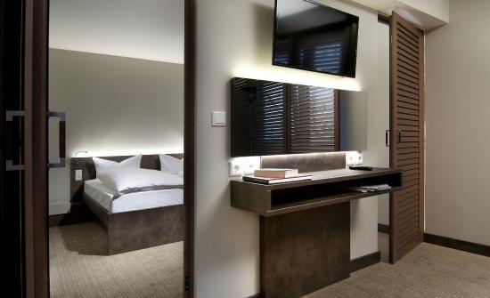 Hotel Herzog : Schreibtisch Suite