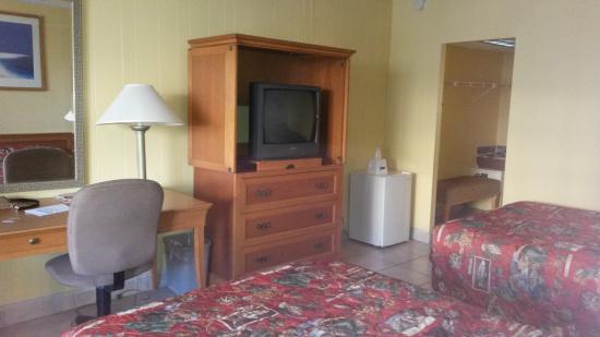 Lafayette Motel: tv