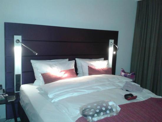 Hotel Indigo Düsseldorf - Victoriaplatz: A Standard Double, very comfortable