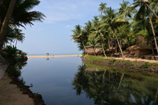 Dwarka Eco Beach Resort: Lagoon